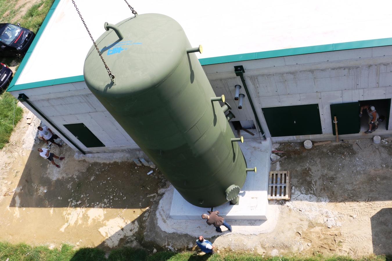 50000 Liter Puffer aufstellen